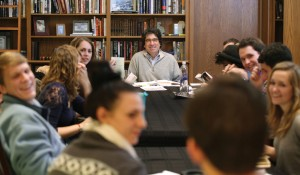 Chancellor Nick Zeppos teaches a semester-long undergraduate class on the Federalist Papers in his office. (Photo: Vanderbilt University)